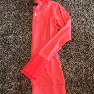 Tops - Under Armour base later long sleeve
